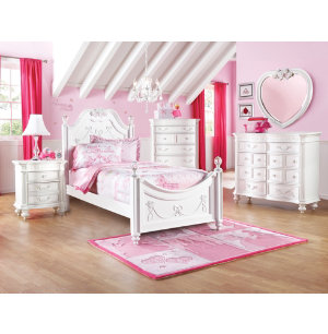 High Quality Turn Your Little Princessu0027 Room Into Her Own Kingdom With This Royal Bedroom  Set. Choose Either The Whimsical Carriage Bed Or The Fairy Tale Poster Bed  To ...
