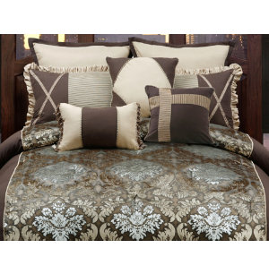 Burgess Queen Comforter Set