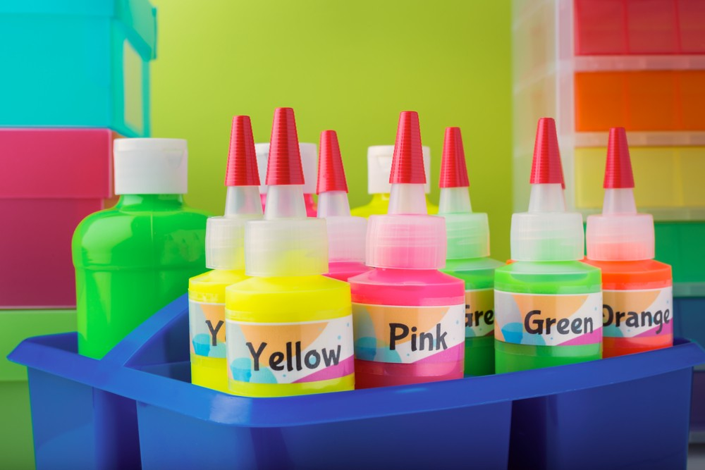 Create custom labels for your classroom, personal property and other items for quick and easy identification.