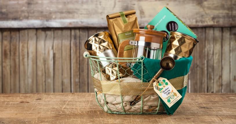 Christmas morning coffee basket with Avery Printable Tag 22802