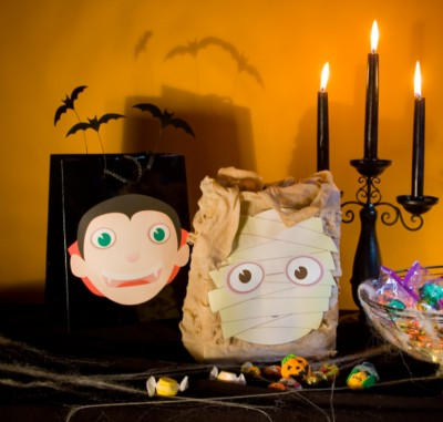 Fun & Festive Trick-or-Treat Bags