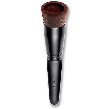 Perfecting Face Foundation Brush