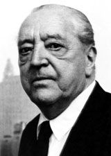 Black and white picture of Ludwig Mies van der Rohe
