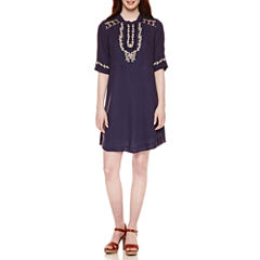Roxberi Short Sleeve Shift Dress