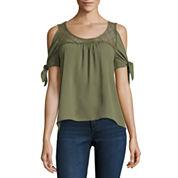 Self Esteem Short Sleeve Woven Dress Shirt Juniors