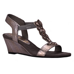 New York Transit Guess Honor 2 Womens Wedge Sandals