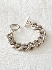 Bevel Chain Toggle Bracelet