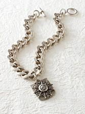 Bevel Chain Medallion Necklace