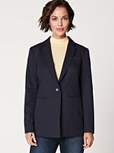 Seasonless Wool Blazer