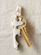 Key-hugging Multi Tool