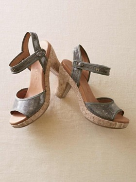 Space First Wedge Heels