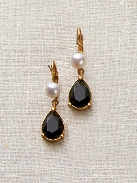 Jet Drop White Pearl Earrings