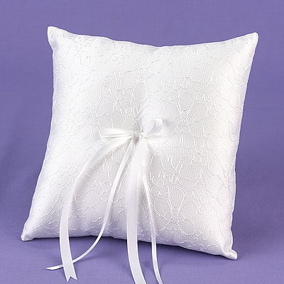 Daisy Ring Pillow