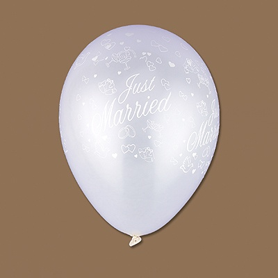 White Just Married Balloons