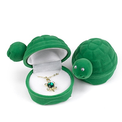 Turtle Necklace in Velour Box
