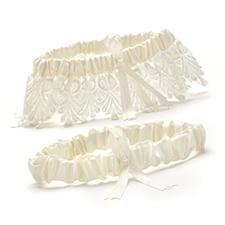 Timeless Treasure Keep and Toss Garter Set - Ivory