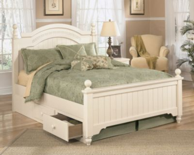 Signature design by ashley cannonsburg poster bed for Cottage retreat ii bed