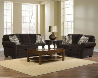 Clearance Living Room Sets on Living Room Sets   Broyhill Zachary 2 Piece Sofa And Loveseat Set