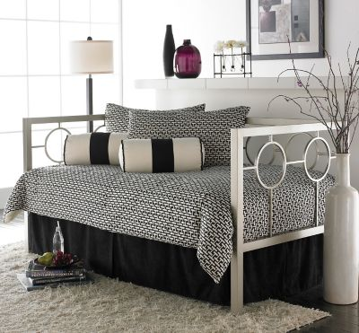 fashion bed group astoria daybed with free mattress