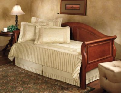 Hillsdale Furniture Bedford Daybed With Free Mattress