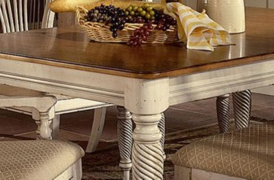 Hillsdale Furniture Wilshire Rectangle 7 Piece Dining Set In Antique White