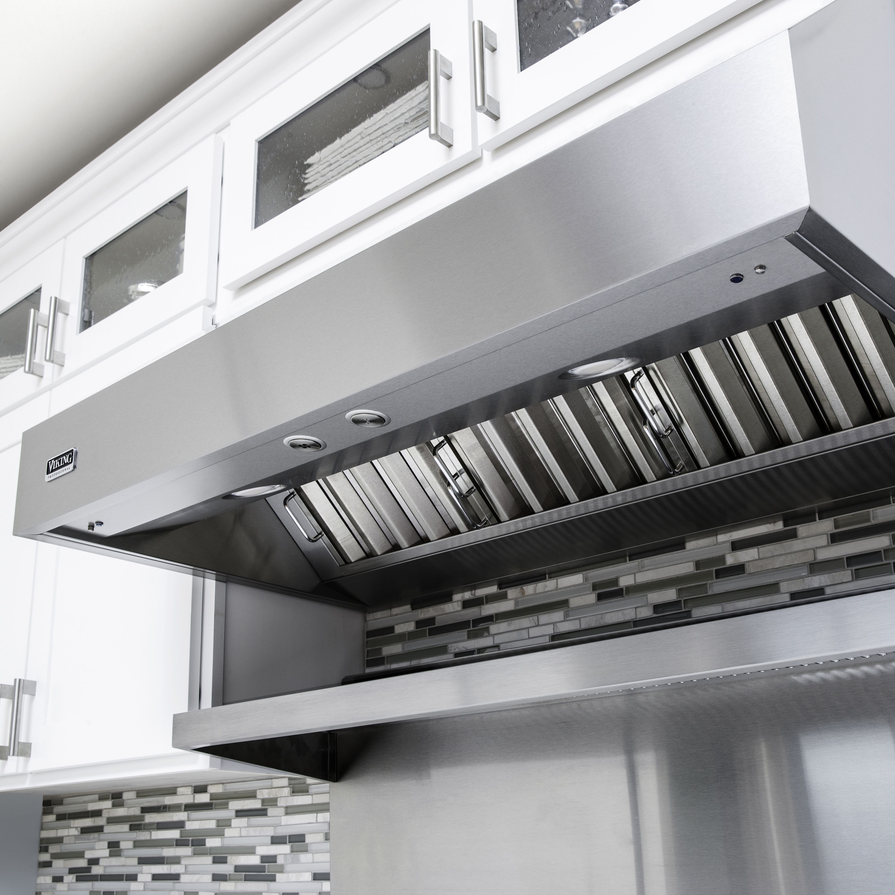 Viking Introduces New And Improved 12 H And 18 H Ventilation Hoods Viking Range Llc