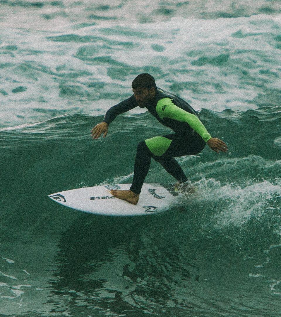 Boy surf