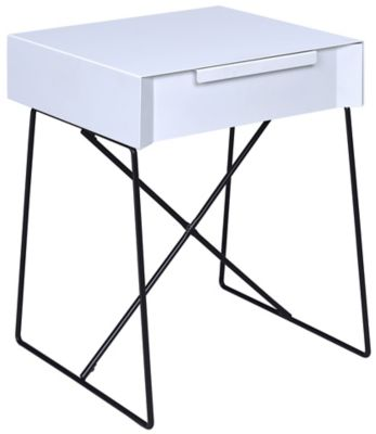Gualacao End Table, White, swatch