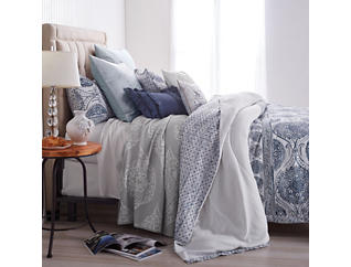 Matelasse Medallion 3 Piece King Comforter Set, , large