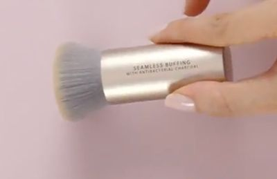 thumbnail imageSeamless Buffing Brush with Antibacterial Charcoal