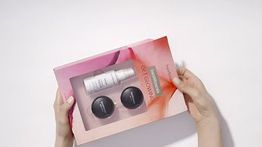 thumbnail imageGET GLOWING: 3-Piece Bronze & Glow Mini Makeup Kit