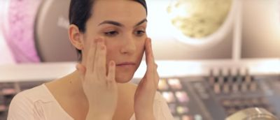 Tutorial How To Apply Bareskin Foundation With Your Fingers Bareminerals