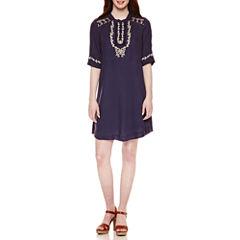 Roxberi Short Sleeve Shift Dress