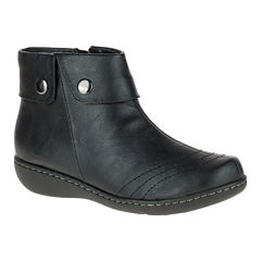 Soft Style® by Hush Puppies Jerlynn Ankle Booties