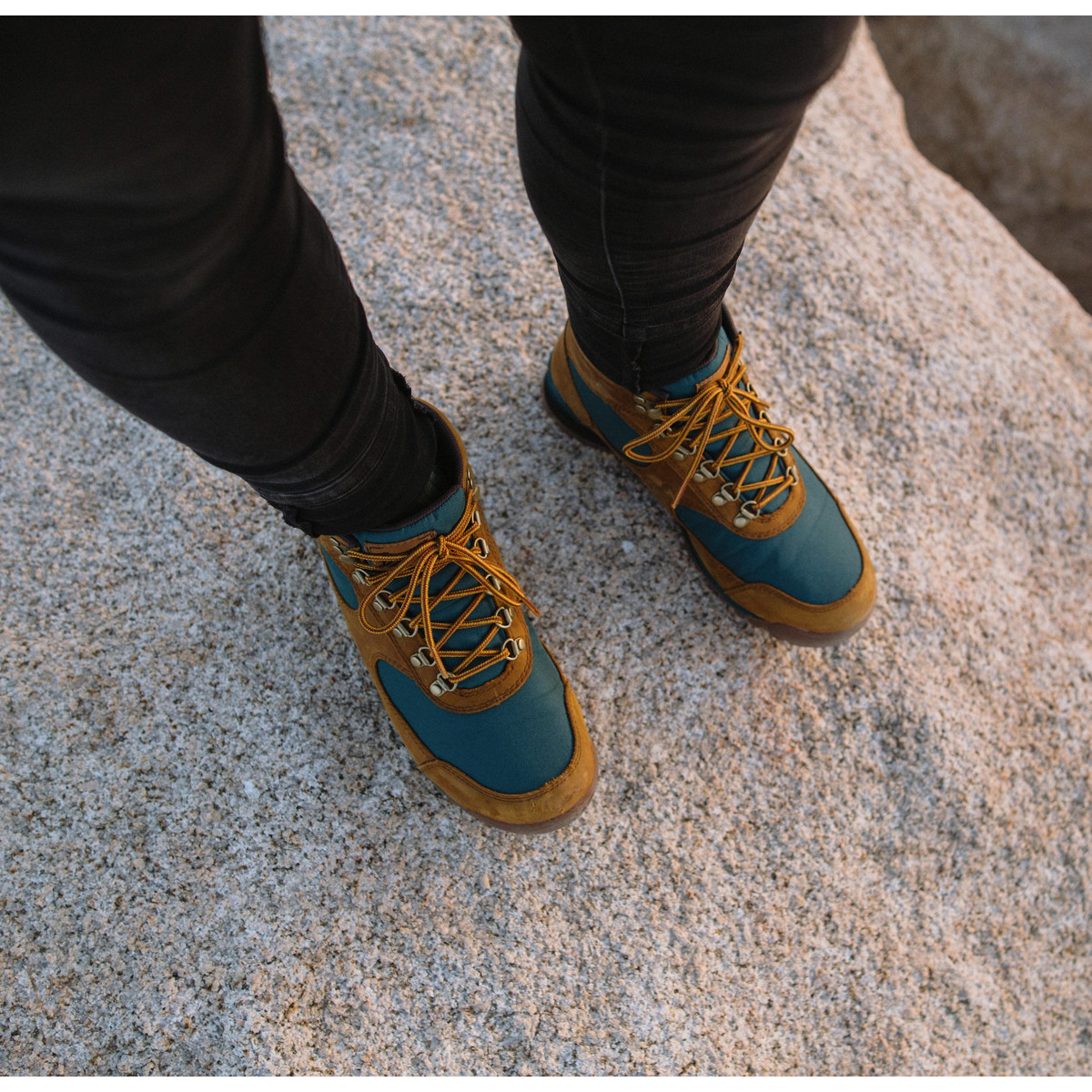 Women's Jag Distressed Brown/Deep Teal