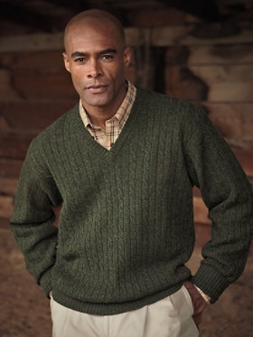 Lambswool Cable V-neck Sweater