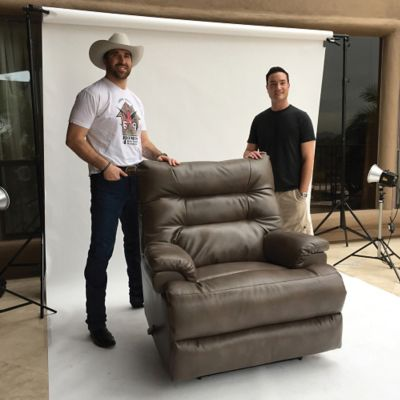 Lane Fastlane Valor Comfort King Recliner Supporting Jared Allen S