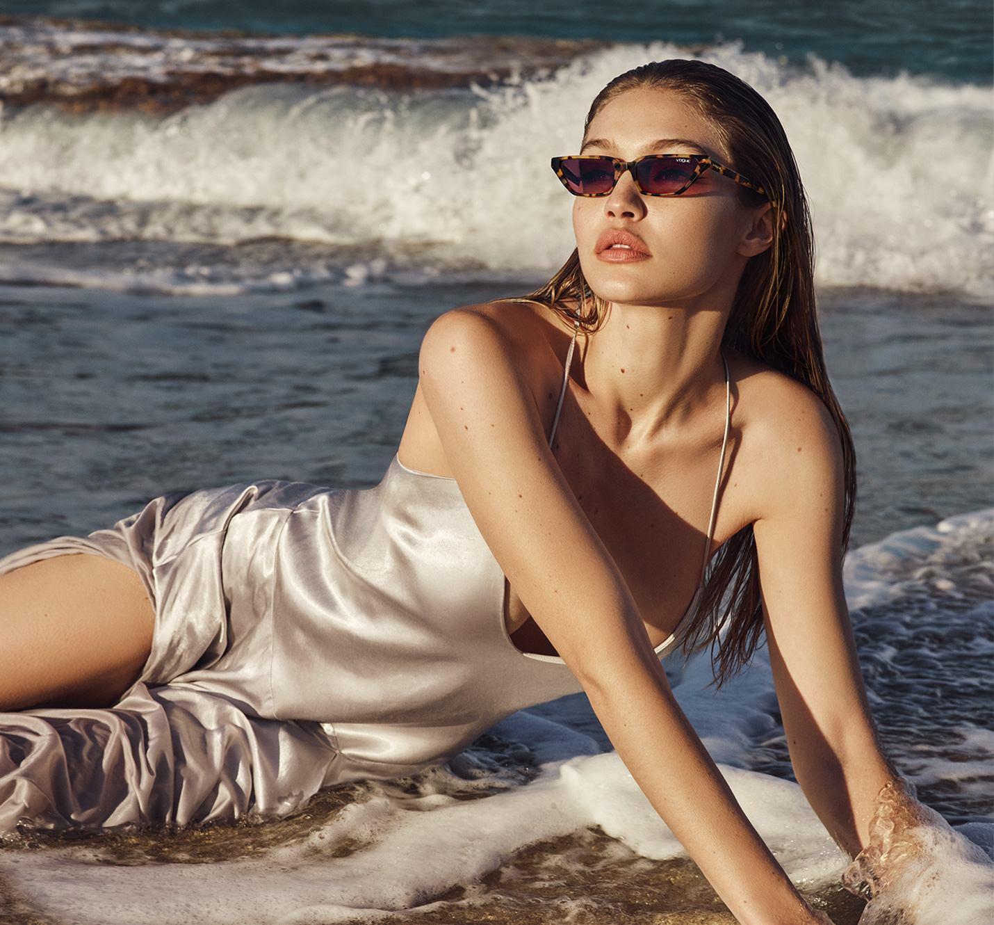 40c274afae0e47 Gigi Hadid Collection Eyewear   VogueFR